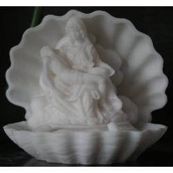 Statue Pieta décoration coquillage michel ange en albâtre